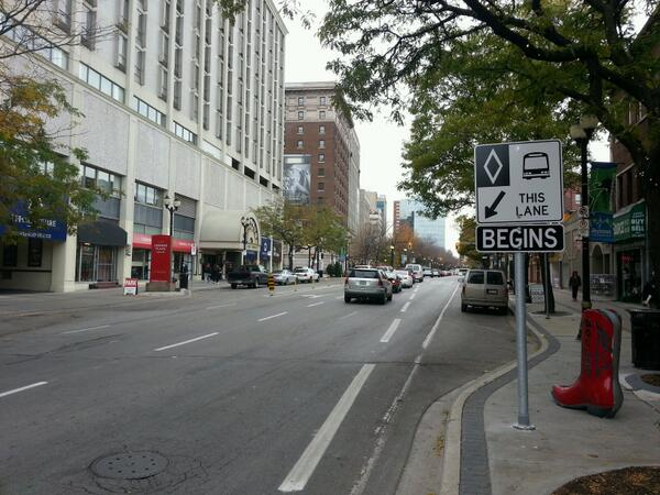 Downtown Bus Lane - Photo Courtesy of Raise The Hammer.
